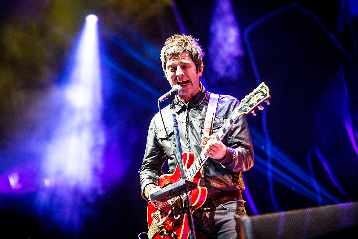 BKS 695 - Noel Gallagher's High Flying Birds
