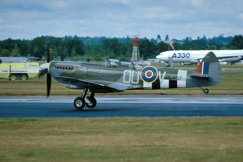 Supermarine Spitfire TR Mk. 9 at the 1998 Farnborough Air Show
