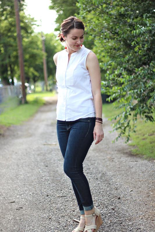 white-tank-blouse-jeans-1