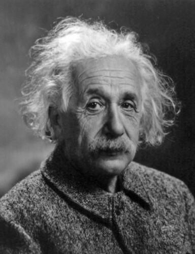 800px-Albert_Einstein_Head