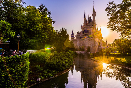 world morning sun reflection castle water sunrise landscape dawn orlando nikon day angle florida magic kingdom disney double flare sunburst cinderella wdw walt ultrawide sunflare 2014 uwa d610
