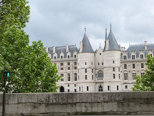 quais de Seine 3