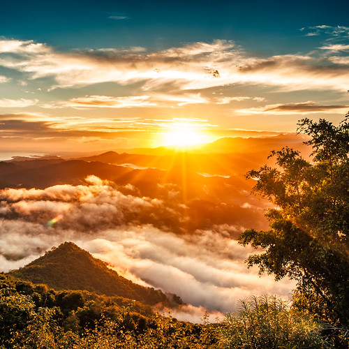 trip morning travel vacation mist tourism sunrise indonesia square landscape dawn nikon scenery 28mm adventure journey nikkor sunray sumbawa d700
