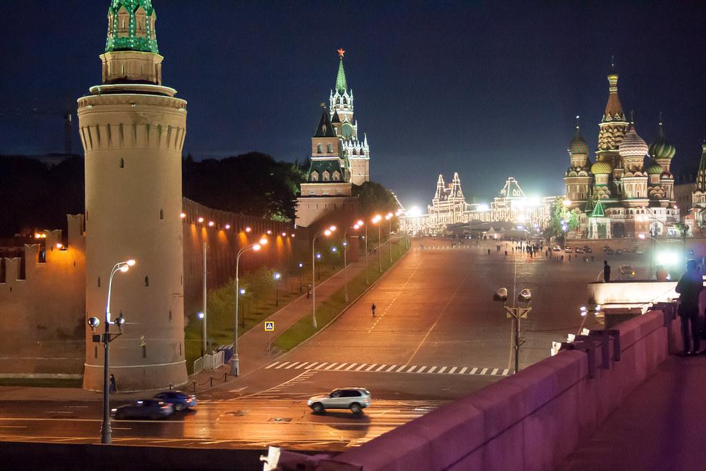 Москва. Полуношная. Весильевский спуск