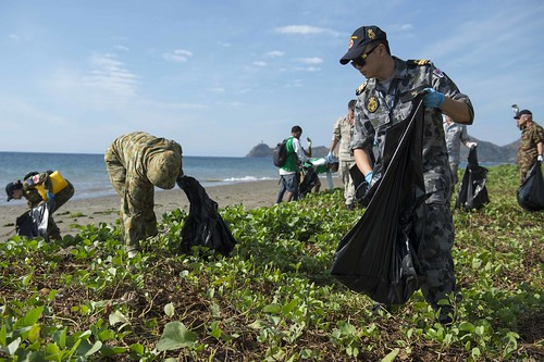Pacific Partnership 2014 Enhances Relations and Environment with Beach Cleanup
