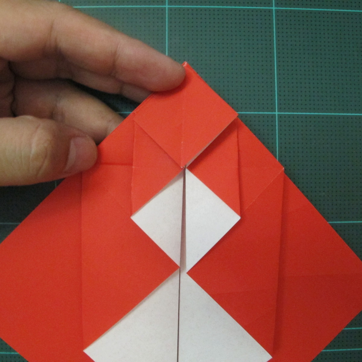 การพับกระดาษเป็นรูปสัตว์ประหลาดก็อตซิล่า (Origami Gozzila) 014