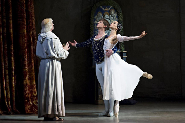 Diana Vishneva as Juliet and Vladimir Shklyarov as Romeo in Romeo and Juliet © Gene Schiavone