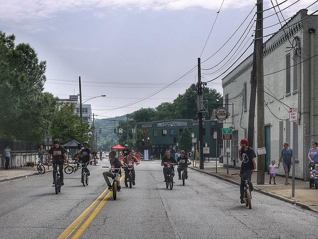 Spun bikers
