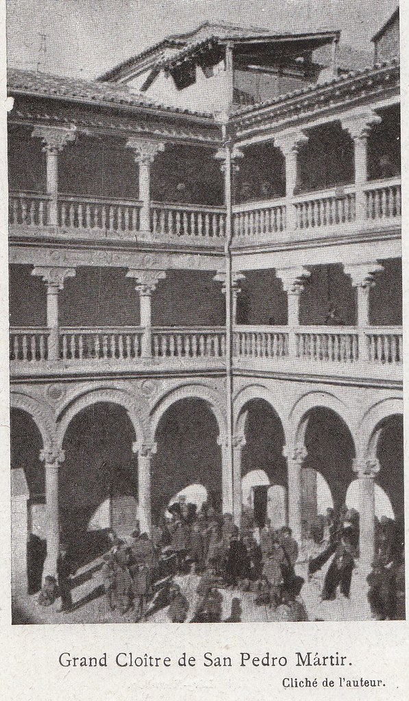 Patio de San Pedro Mártir a comienzos del siglo XX. Fotografía de Élie Lambert publicada en su libro Les Villes d´Art Célebres: Tolède (1925)