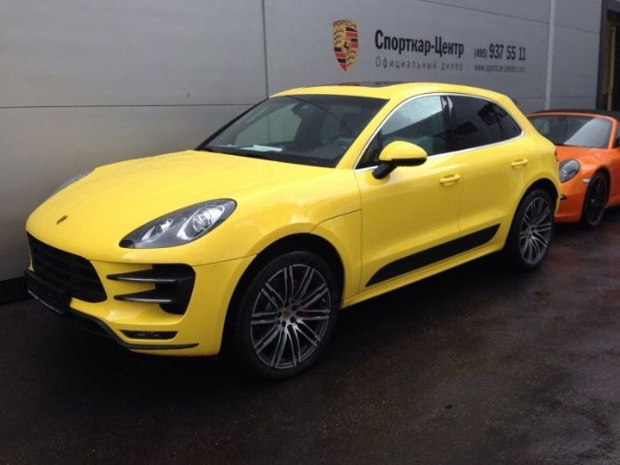 a yellow macan porsche macan forum. Black Bedroom Furniture Sets. Home Design Ideas