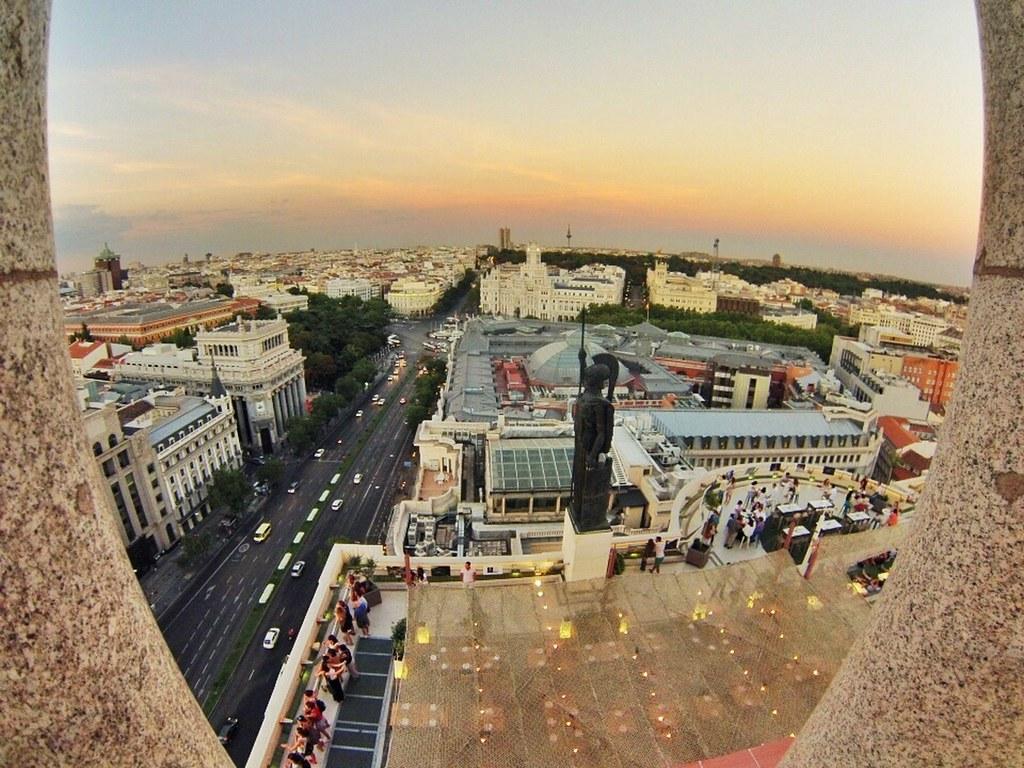 Atardecer desde lo alto de la azotea del círculo azotea del círculo de bellas artes de madrid, oasis en el cielo - 14964175139 75529677b6 b - Azotea del Círculo de Bellas Artes de Madrid, oasis en el cielo