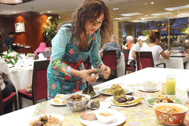 Debbie Teoh _ nyonya food - Parkroyal HOtel KL-001