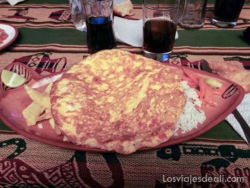 tortilla taquileña en las islas del lago Titicaca