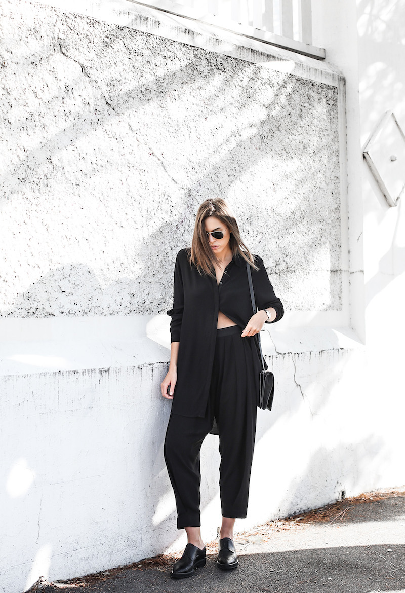 modern legacy fashion blog Australia street style all black outfit Helmut Lang oxfords Alexander Wang cross body bag slouchy pants BC oversized boyfriend shirt Ray Ban aviator sunglasses (2 of 10)