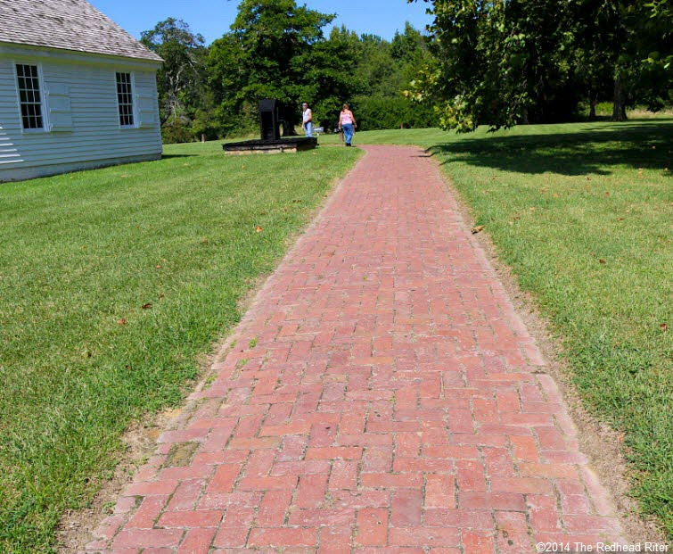 walkway to plantation house - Stonewall Jackson Died In Guinea, Virginia