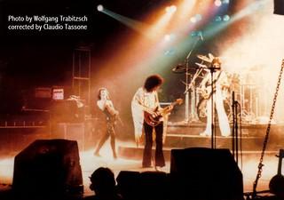 Queen live @ Dusseldorf - 1977