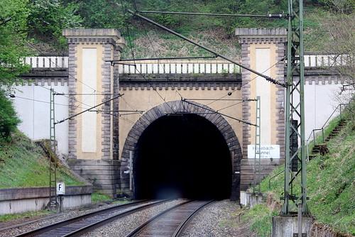 Östliches Portal des Hönebacher Tunnels