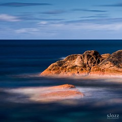 Blue ocean on the rocks . Long exposure with @nisifiltersaustralia ND1000. .  #tasmania #discovertasmania #tasmaniagram #rocks #longexposure #fabulous_australia_ #australia #exploringaustralia #australiawithme #australiagram #ausnzlandscape #australia_sho