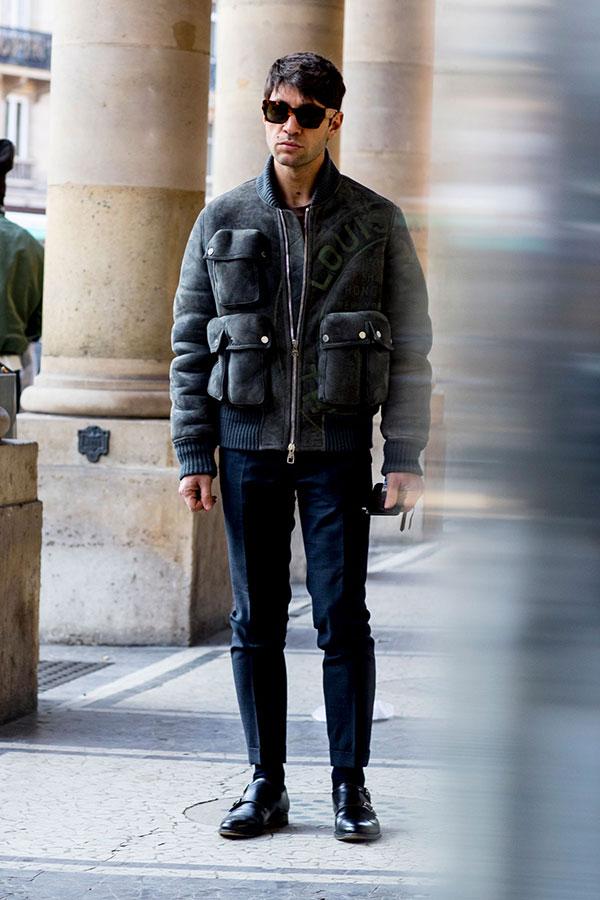 Louis Vuittonグレーブルゾン×ネイビースラックス×黒ダブルモンクストラップ