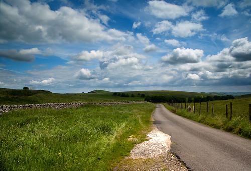 road canon landscape buxton view derbyshire peakdistrict sigma hills hillhead canoneos1000d fieldsofview
