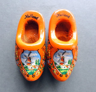 33# Wooden shoes
