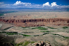The Naryn River and mountains in Naryn, northern Tien Shan (Kyrgiz) /  キルギス共和国中部,ナリン高地