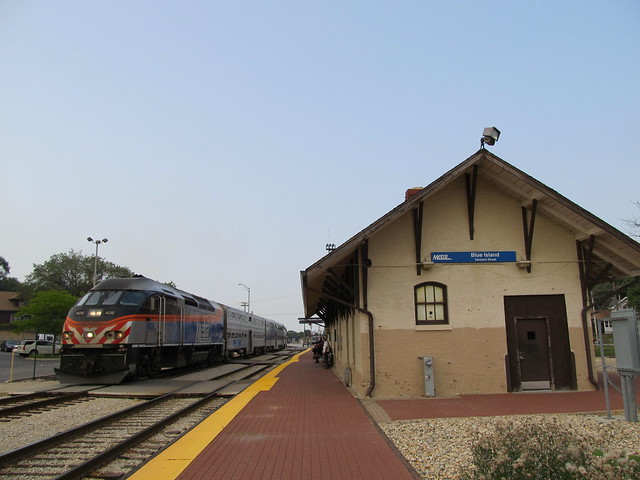 Metra Rock Island District Train passing the Blue Island Vermont Street Station