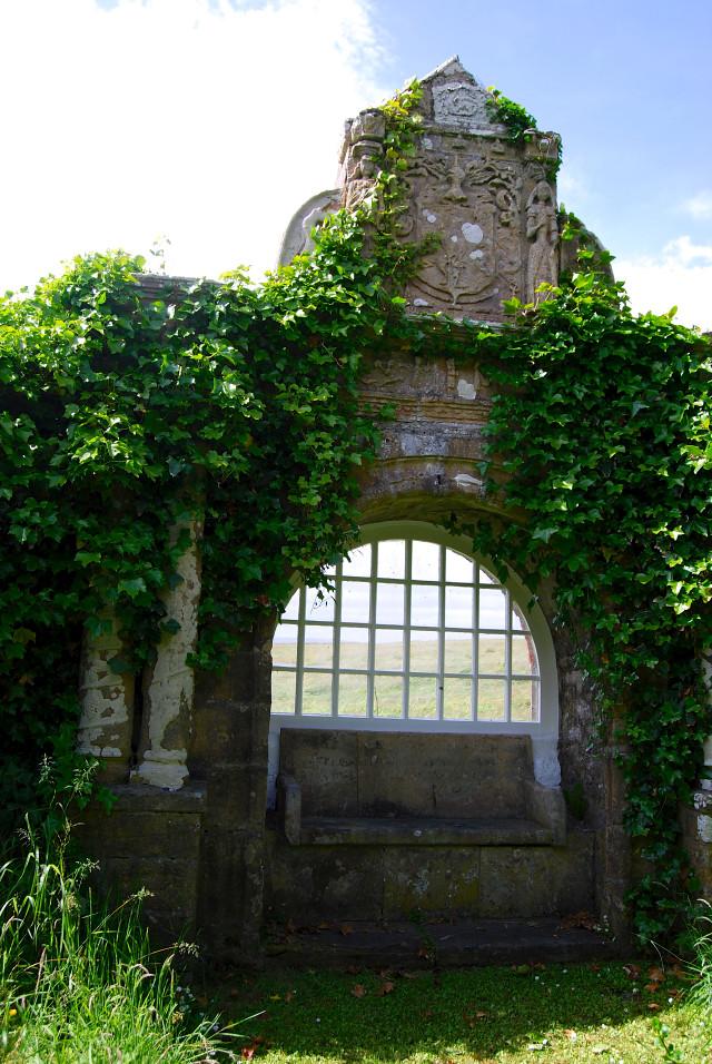 Balfour Castle Garden Seat
