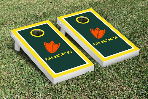 Oregon Ducks Cornhole Game Set Border Version 1