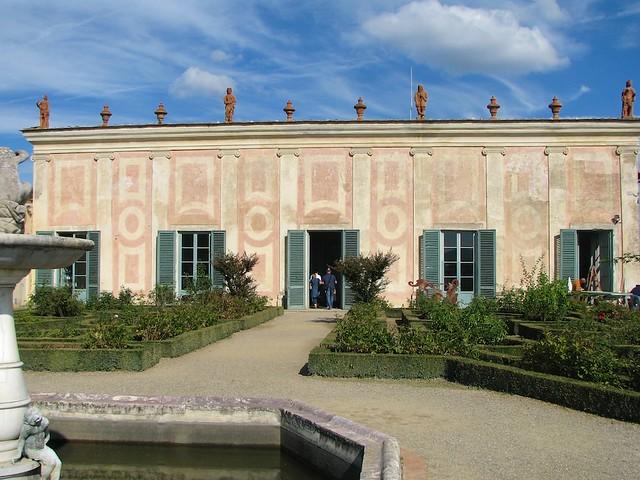 boboli-porcelaine-museum-florence-italy-cr-maria-landers