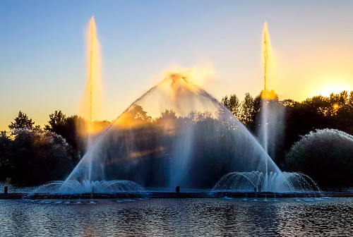 city autumn trees sunset urban sun water fountain river island evening nikon colorful ukraine clear creativecommons isle vinnytsia