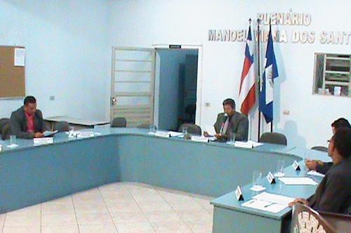 CMPJQ: Sessão é realizada com apenas quatro, dos nove Vereadores