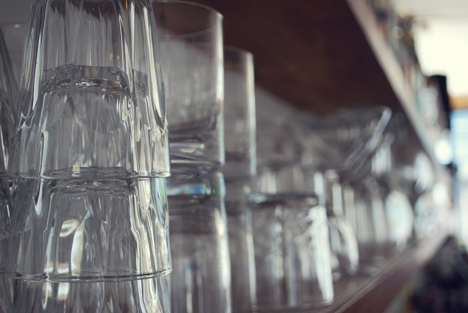 bar glasses dof