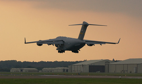 boeing usairforce callsign raffairford c17a charlestonafb globemasteriii airmobilitycommand 021101 reach45