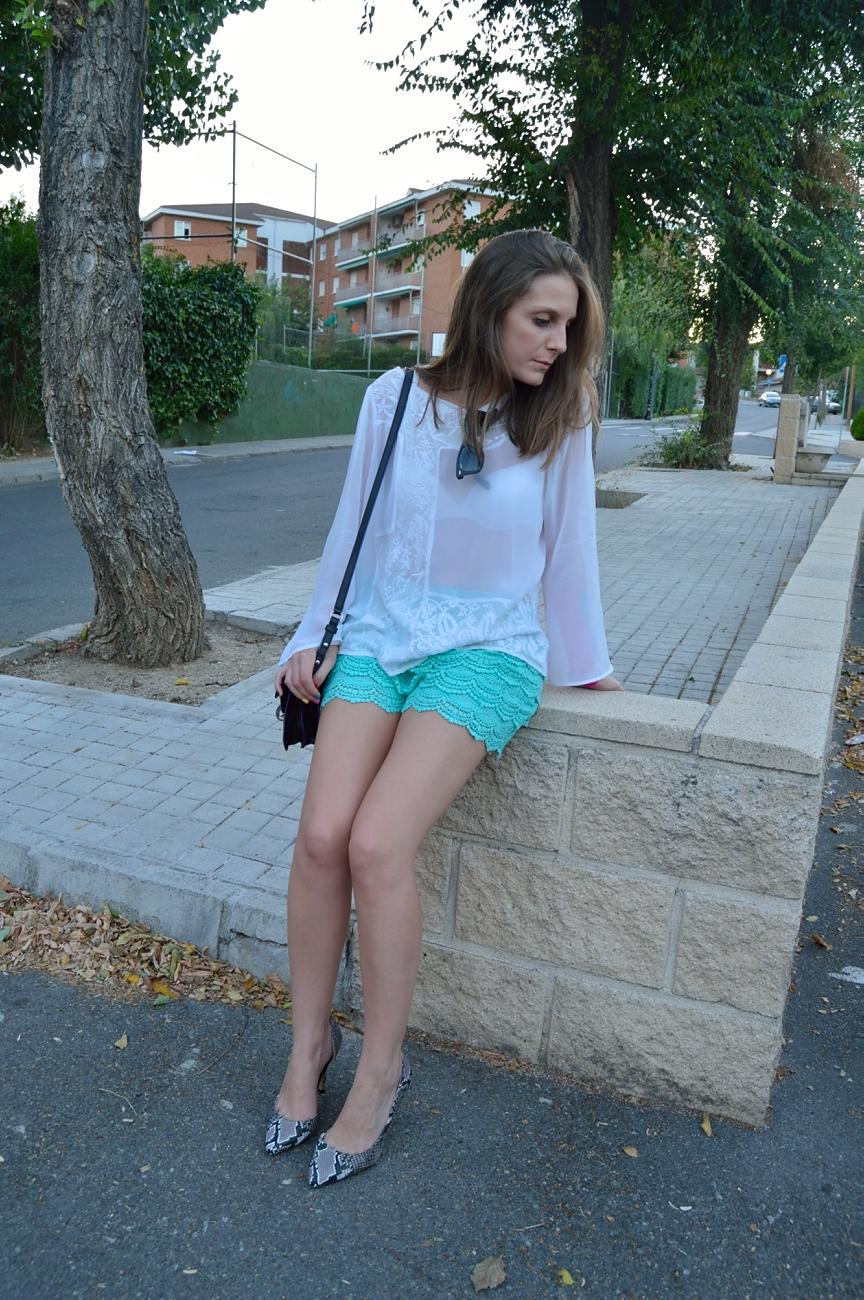 lara-vazquez-mad-lula-style-streetstyle-simple-look-chic
