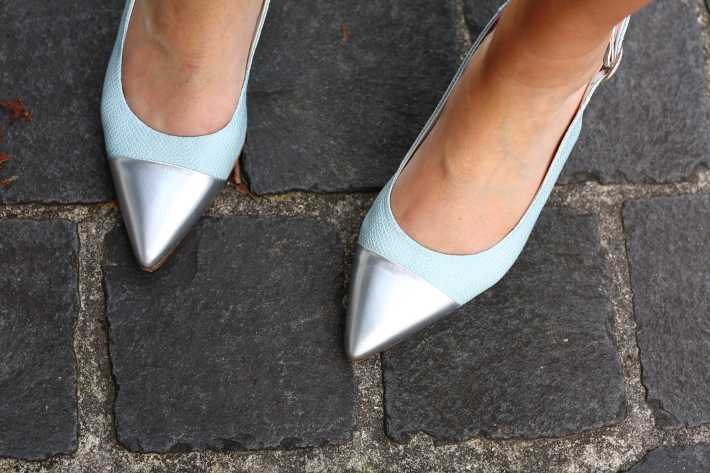 zinda shoes pointy silver toe blue snakeskin