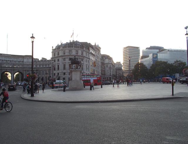 LONDON 1090