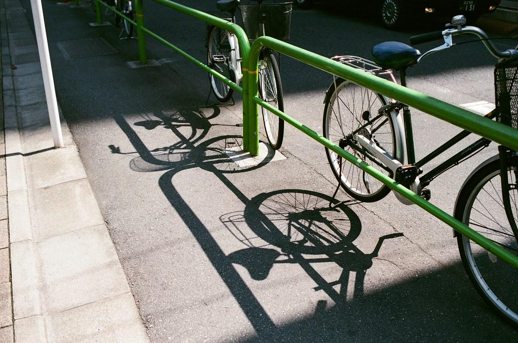 3331 Arts Chiyoda Tokyo, Japan / AGFA VISTAPlus / Nikon FM2 影子!  還能夠清楚的看見。  Nikon FM2 Nikon AI AF Nikkor 35mm F/2D AGFA VISTAPlus ISO400 1001-0020 2015-10-04 Photo by Toomore