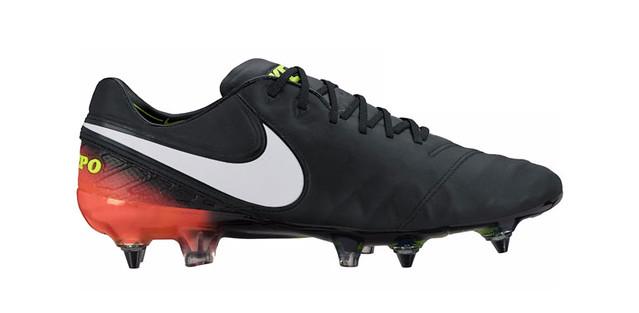 Wide-feet-Nike-Timepo-VI