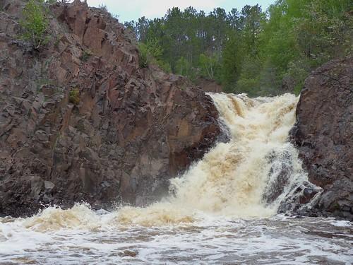 park minnesota waterfall falls lester duluth
