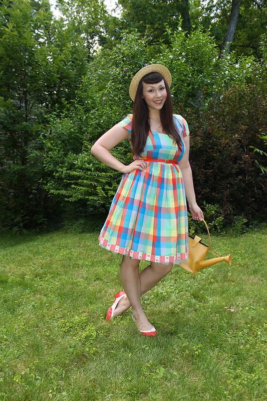 The soubrette brunette garden song Deniece williams i come to the garden alone