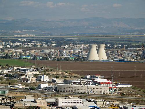 以色列海法煉油廠。圖片來源:維基百科