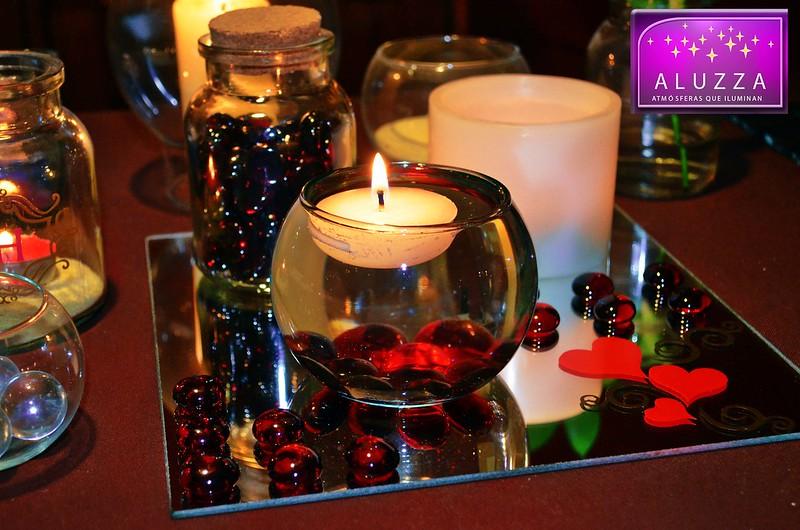 Peceras de cristal con vela flotante aluzza en for Centros de mesa con peceras