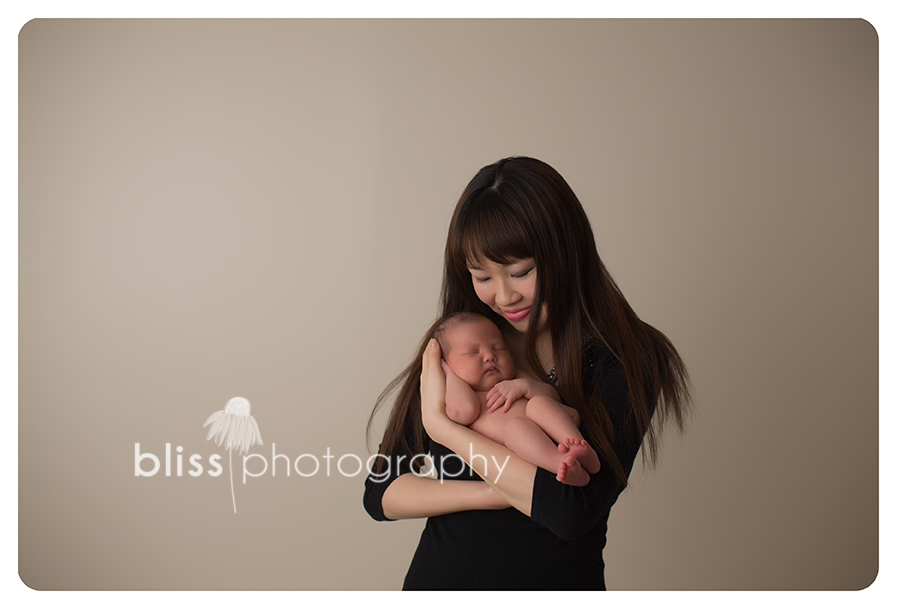 mom newborn bliss photography-3739
