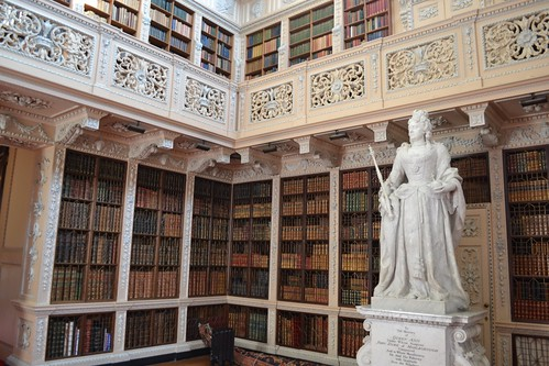 Queen Anne, in the library