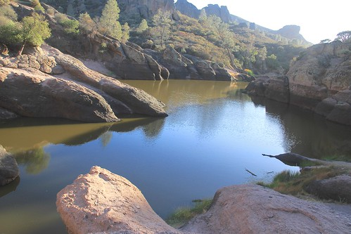 california nationalpark beargulchreservoir pinnaclesnp