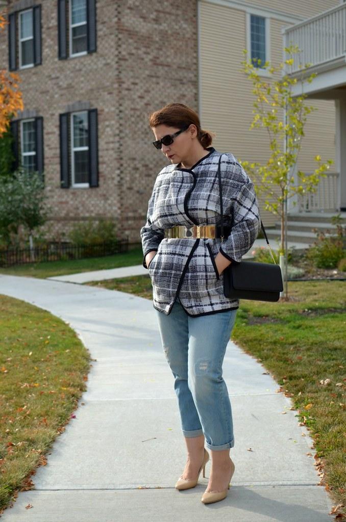 Fabulous-30s-blanket-coat-distressed-denim-Jimmy-Choo-curvy-fashion-blogger-outfit-ideas