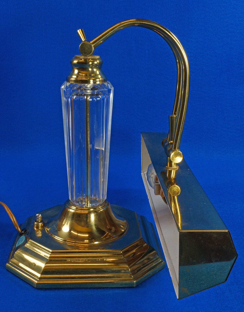 RD15252 Vintage Brass & Lucite Bankers Desk Piano Portable Lamp Light 3-Way Adjustable Arm DSC08726