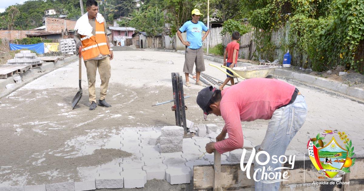 Barrio Puerto Arturo de Chone contará con importantes obras