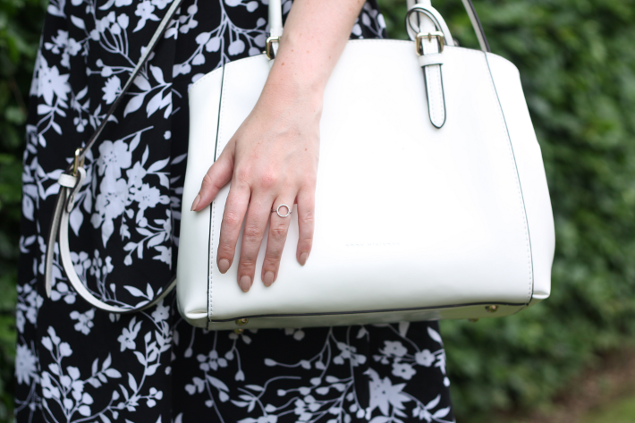 floral skirt white purse diamanti per tutti ring